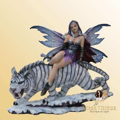 statues Fee Geante avec tigre