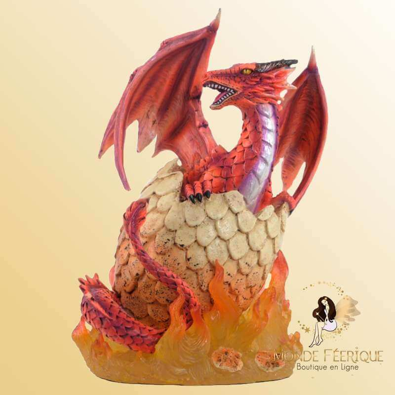 Figurine Dragon Rouge avec oeufs en flamme