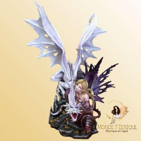 statuette fée géante avec dragon