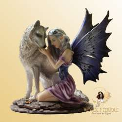 Figurine Fée Dompte Loup -- 17cm