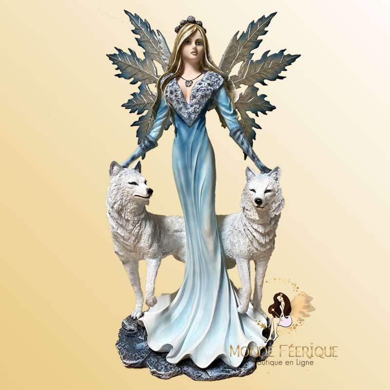 Fée Géante avec 2 Loups Blancs