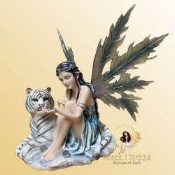 Figurine Fée avec un Lionceau -- 35cm