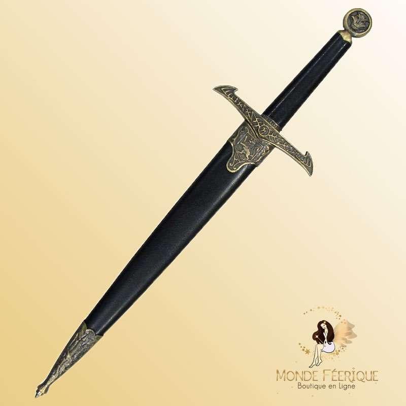 Dague medieval sombre