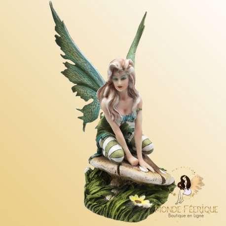 figurine de fée verte
