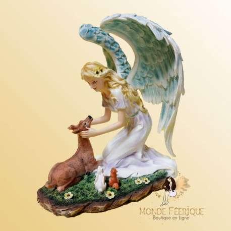 statuette fée avec animaux