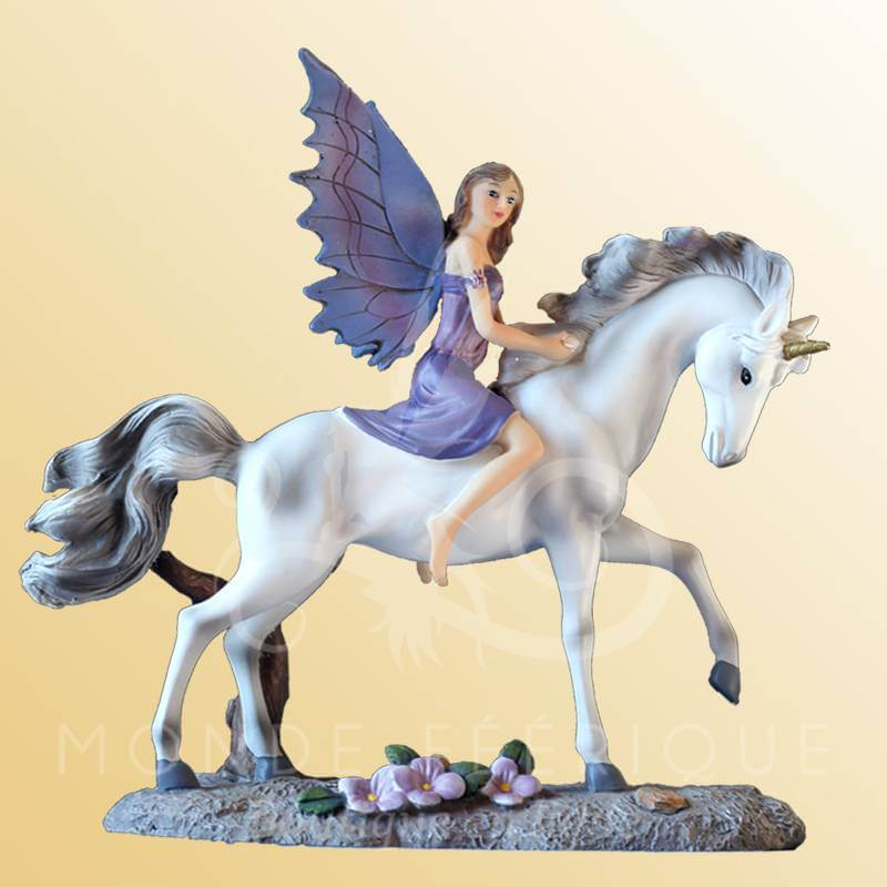 d co figurines f es figurine f e avec licorne site pour acheter une f e. Black Bedroom Furniture Sets. Home Design Ideas