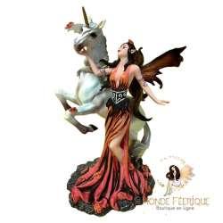 statuette fée avec licorne