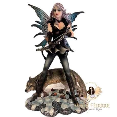 statuette de fee avec un loups - figurine de fee