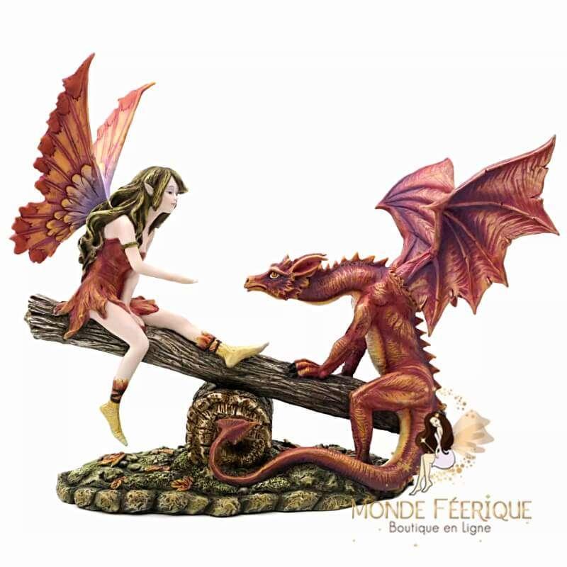 Statuette Fée Jouant avec le Dragon