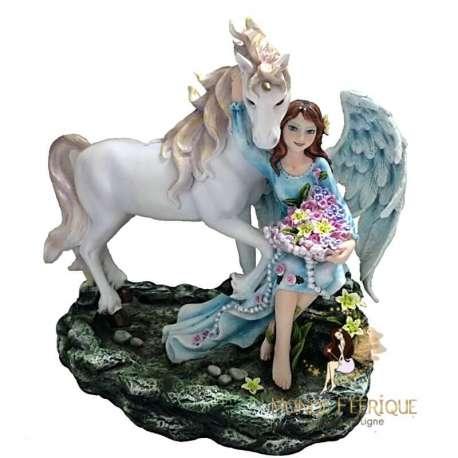 statuette fee avec un cheval