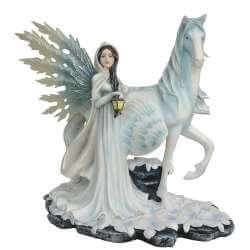 Statue Fée Géante licorne statuettes fées