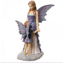 statue fee avec enfant violet